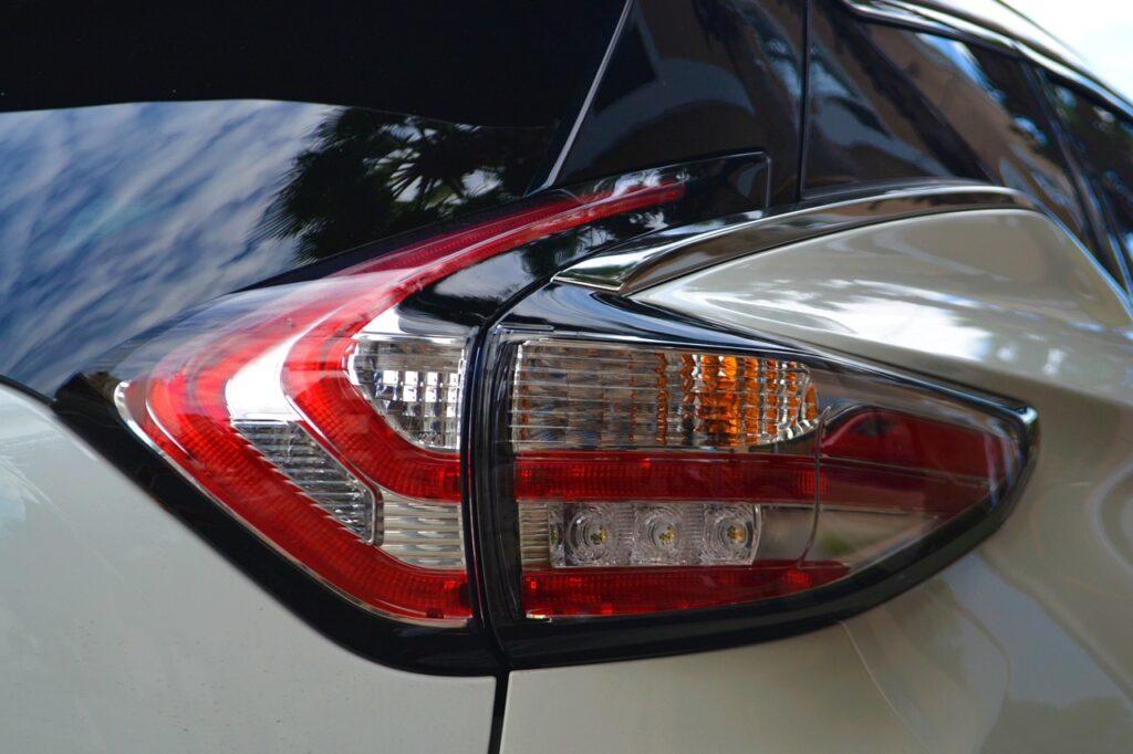 Тонировка стекла автомобиля