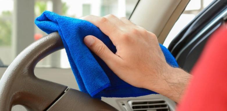 Как удалить пятна на обивке салона автомобиля