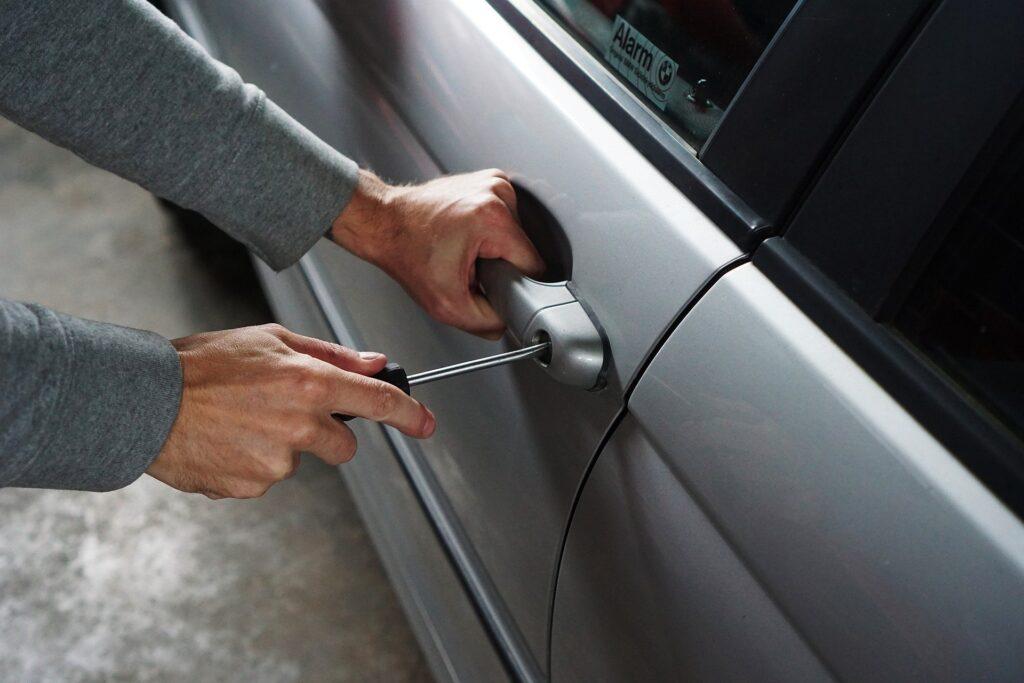 угон авто профессионально защитить