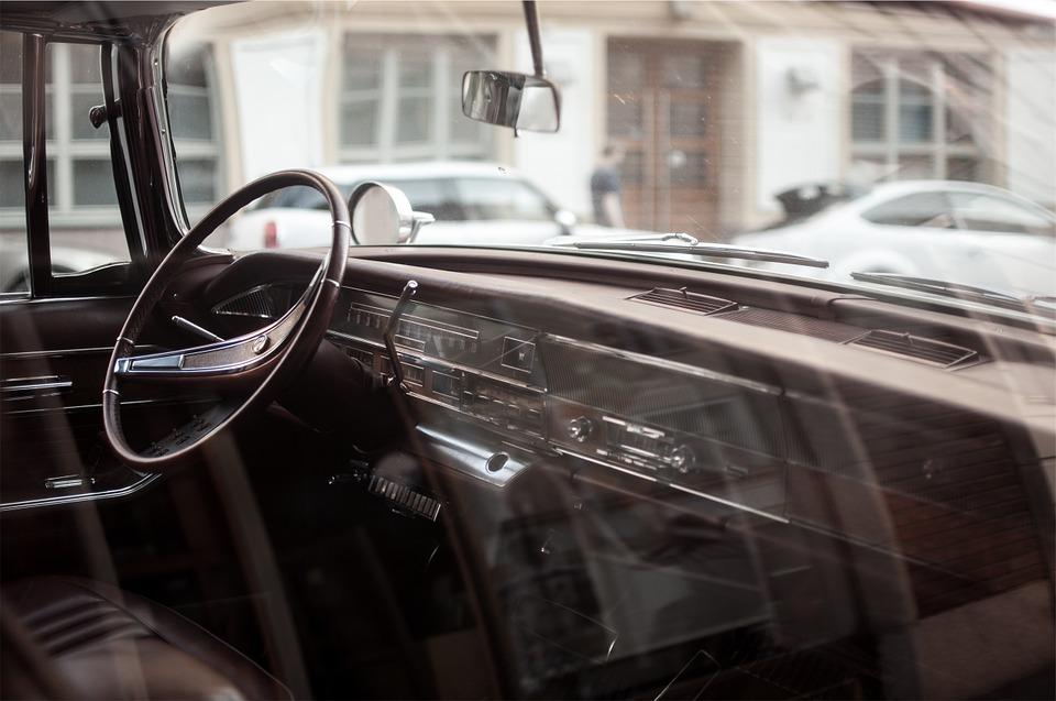 Как и чем мыть автомобильные стекла