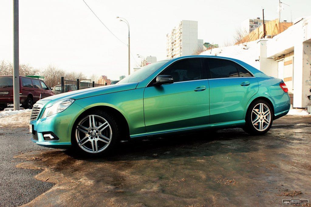 сине зеленый авто